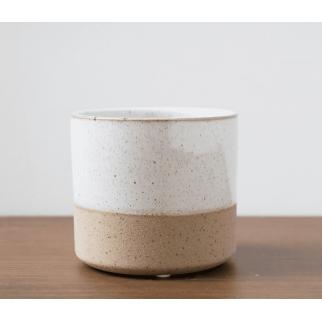 cache pot blanc sable