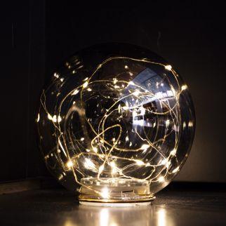Boule en verre avec guirlande sur pile – Ø 12 cm