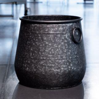 Panier en métal bosselé – H 31 cm