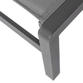 Chaise longue en aluminium KONNOR, zoom sur pied
